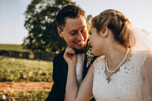 Plenerowa sesja ślubna Oli i Filipa w Ranczu w Dolinie