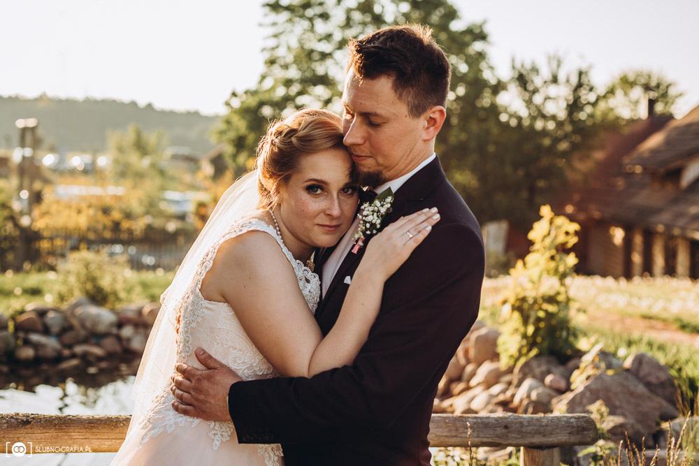 Zdjęcia z plenerowej sesji ślubnej w Ranczu w Dolinie