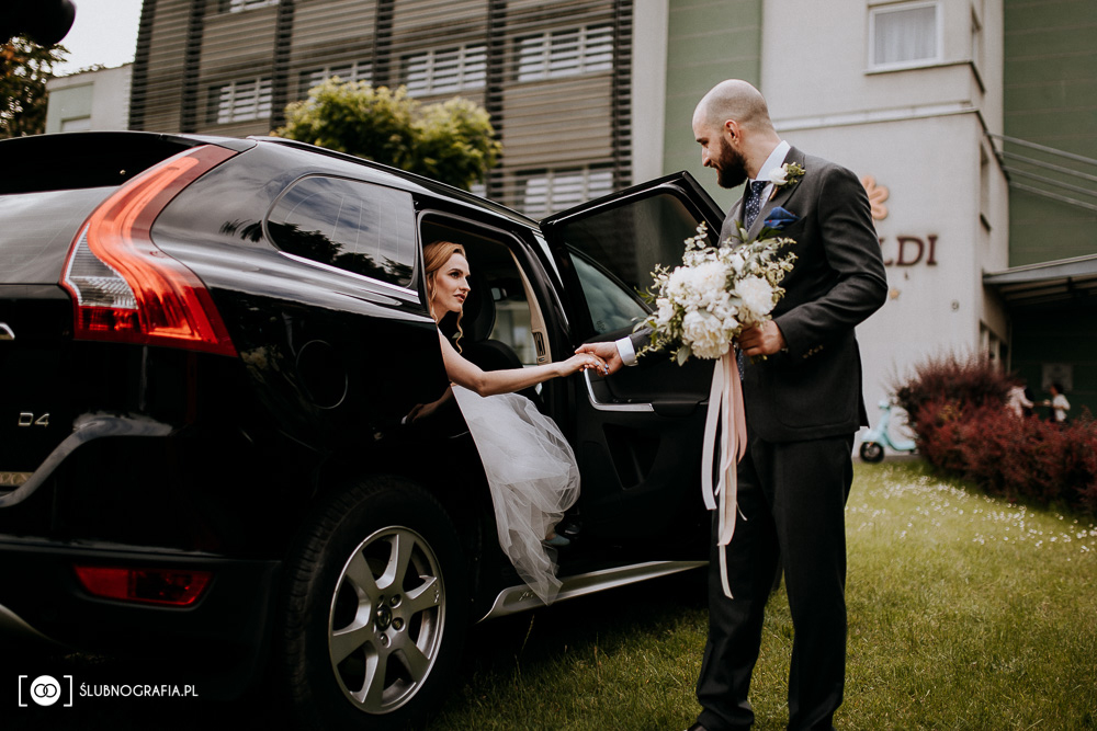 Zdjęcia ze ślubu w poznańskiej Wadze na Starym Rynki i z wesela w hotelu Vivaldii
