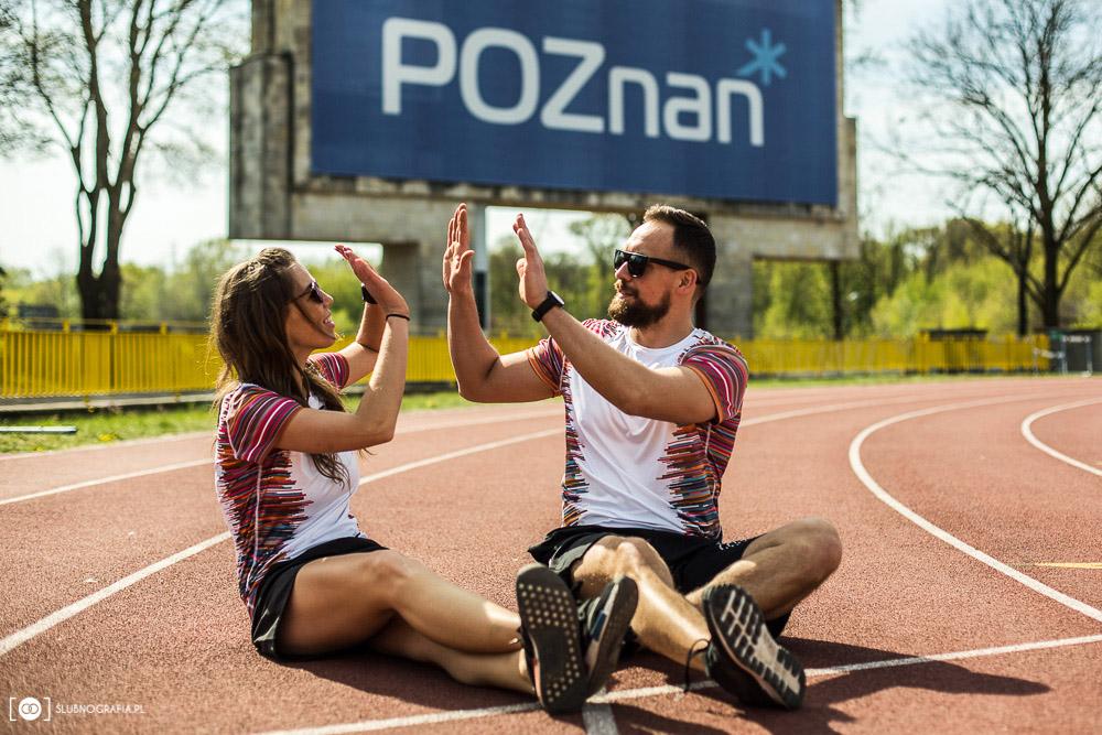 Sesja narzeczeńska na sportowo nad jeziorem Rusałka w Poznaniu