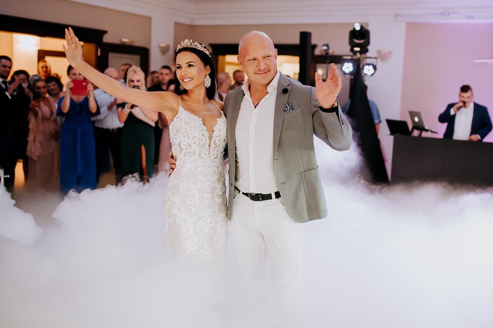 Plenerowy ślub Asi i Rafała<br>oraz sztos wesele<br>w Pałacu Wąsowo :)